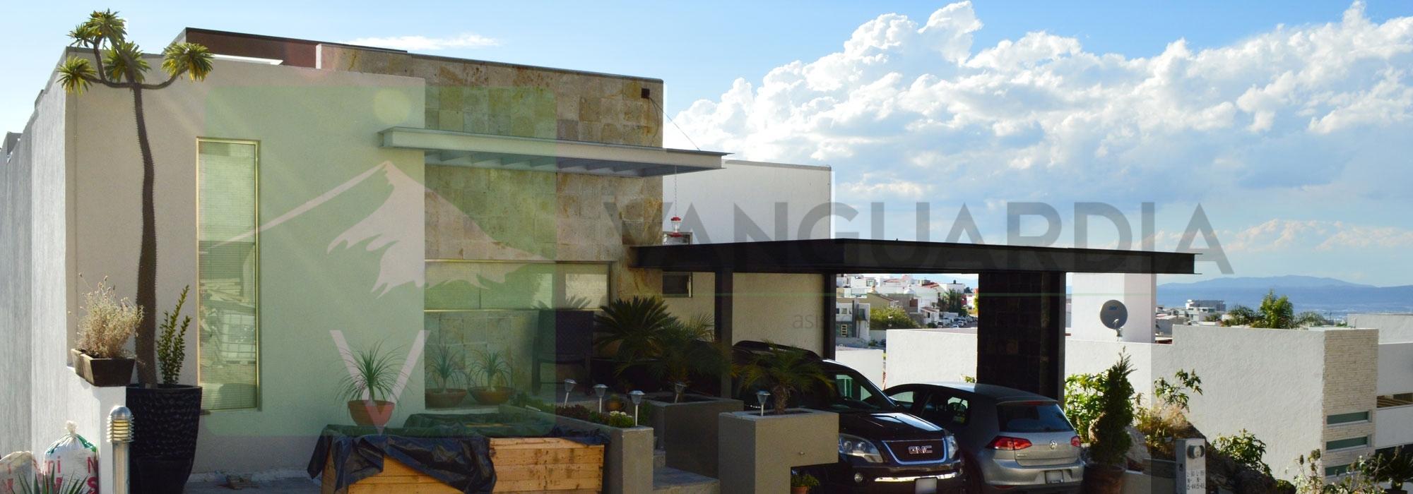 Residencia Contemporánea de 3 plantas  con vista espectacular – Querétaro | Cumbres Del Cimatario