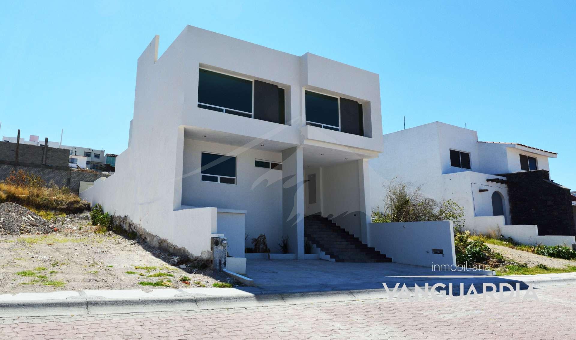 Amplia Residencia Nueva con 4ta hab en planta baja. – Querétaro | Cumbres Del Cimatario