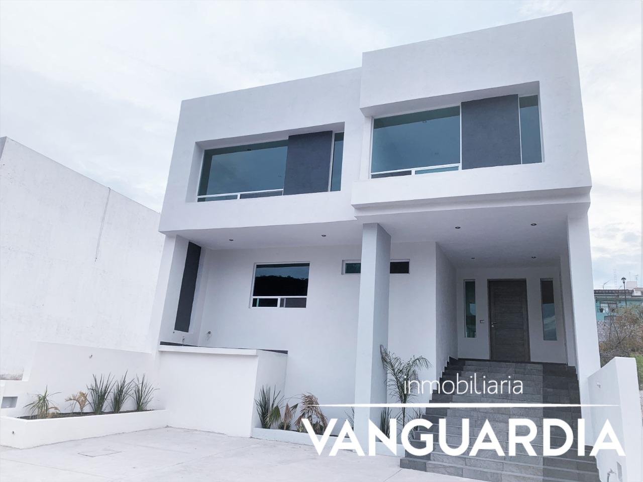 Amplia Residencia Nueva con 4ta hab en planta baja. – Querétaro   Cumbres Del Cimatario