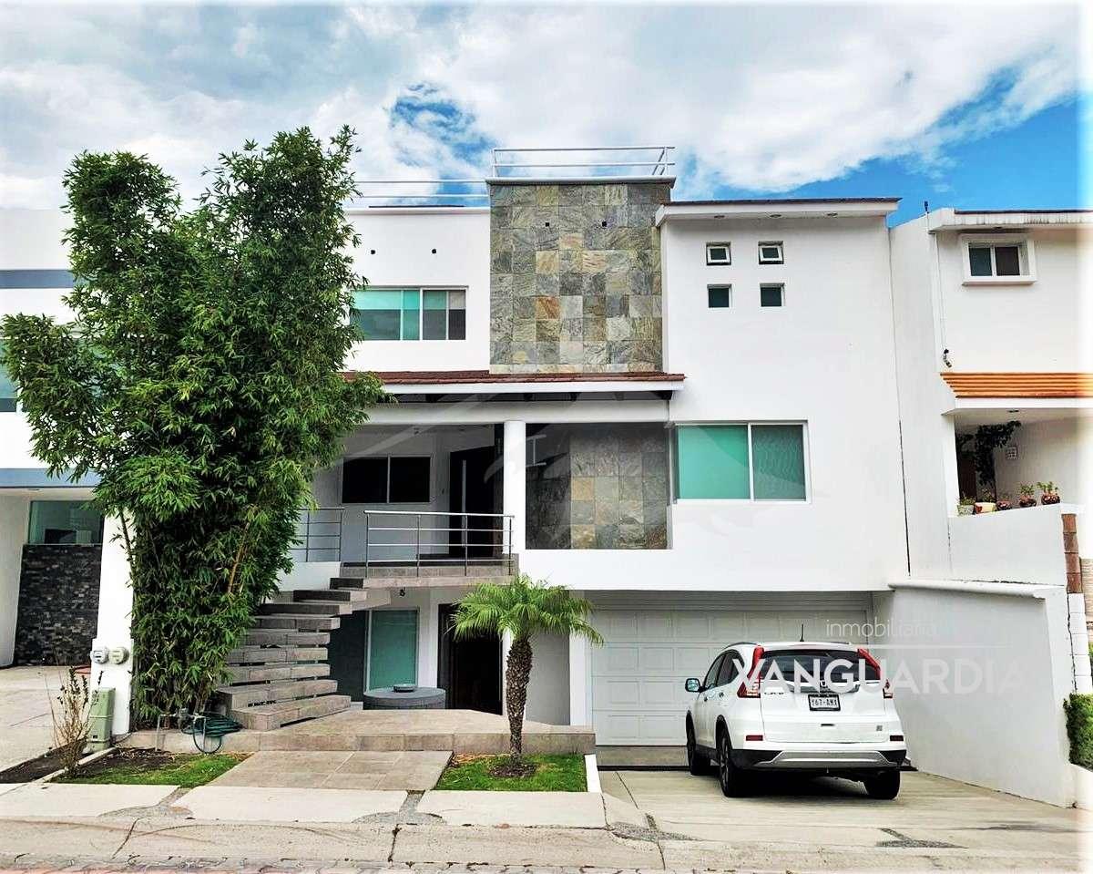 Preciosa casa en renta con roof garden, acabados de lujo e iluminacion natural. – Querétaro   Cumbres Del Cimatario