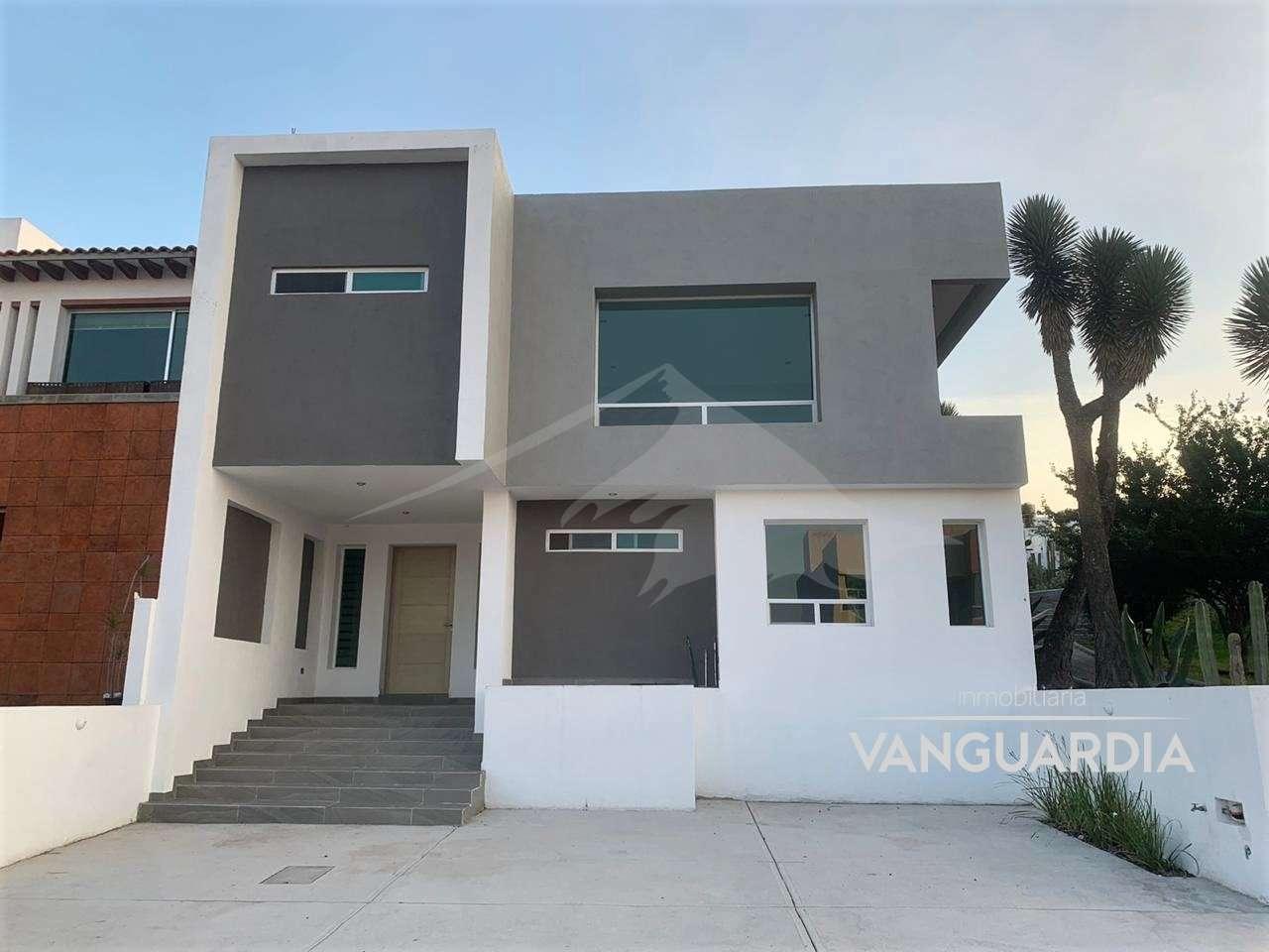 Amplia Residencia Nueva con estudio en PB e increible vista. – Querétaro | Cumbres Del Cimatario