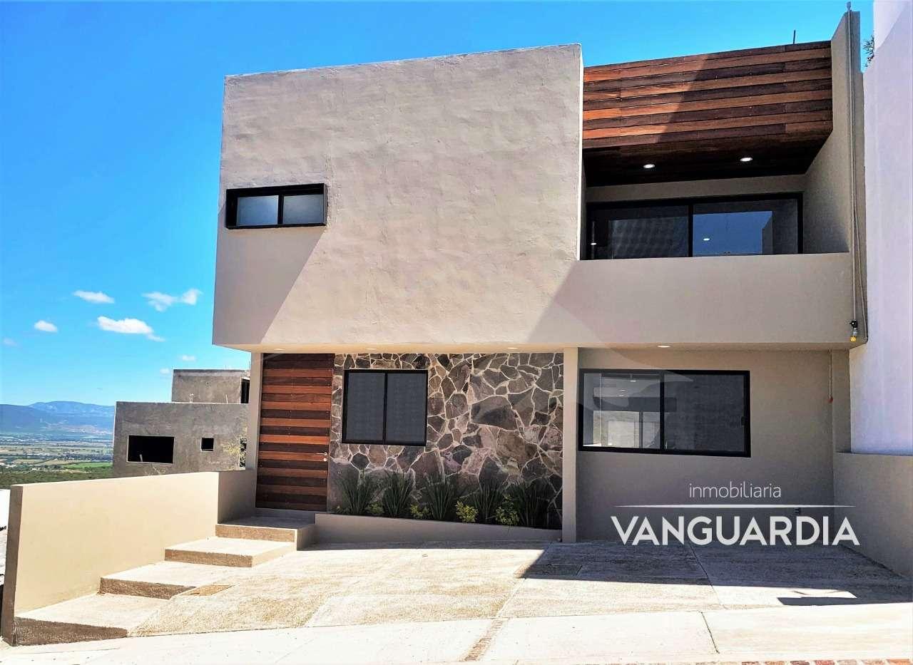 Residencia con acabados de Lujo con Vista al campo de Golf.– Querétaro | Zibatá