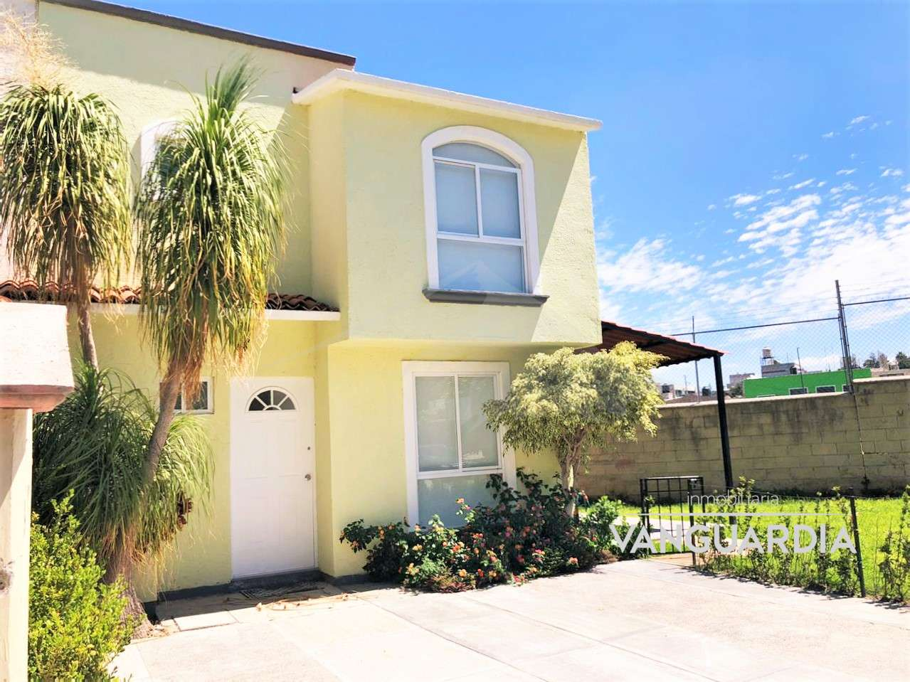 Casa en venta totalmente remodelada con acabados premium y excelente ubicación. – Querétaro | Candiles