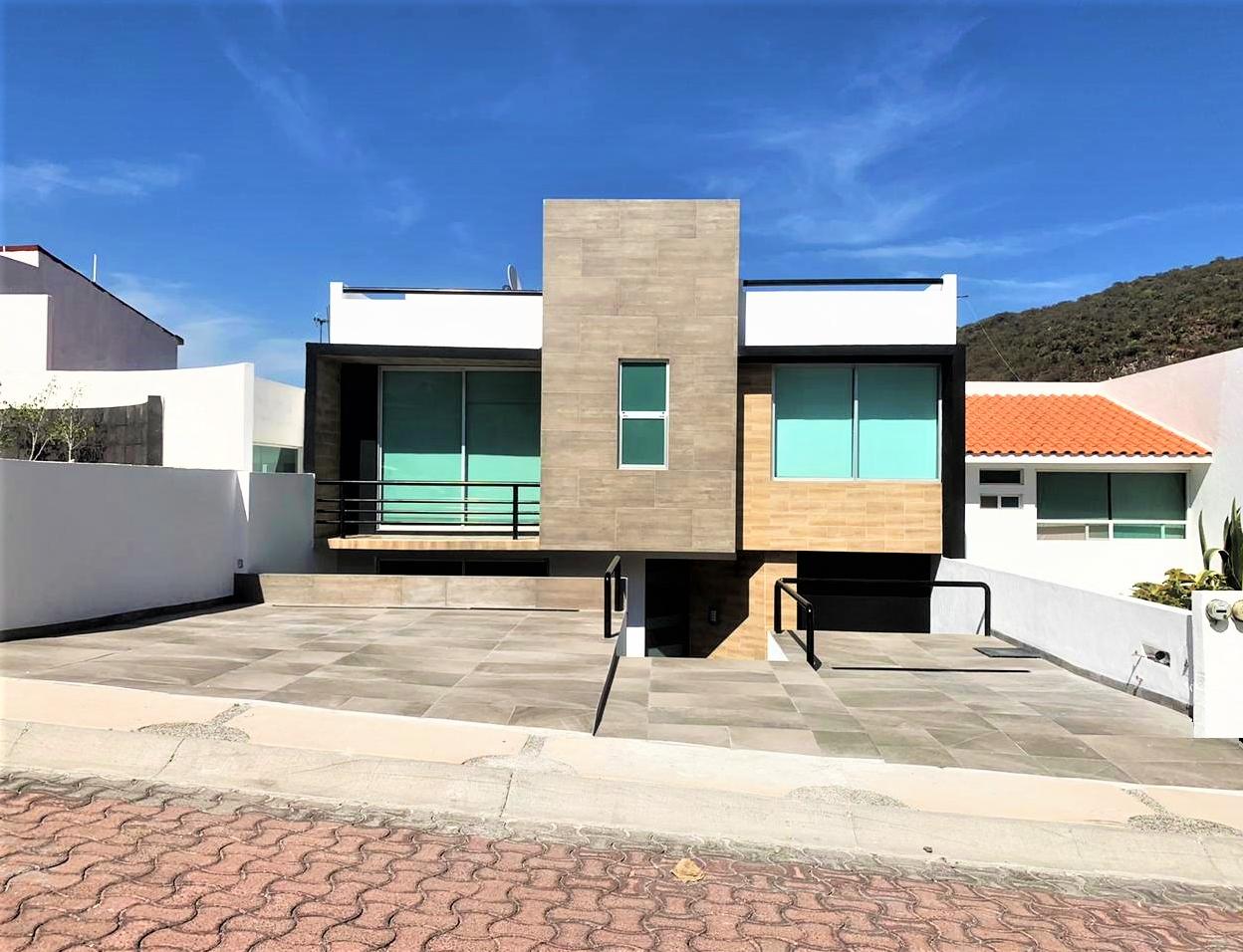Hermosa residencia  con Roof Garden y amplio Jardín. – Querétaro | Cumbres del Cimatario