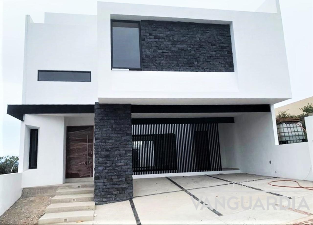 Preciosa casa nueva con vista al campo de Golf. – Querétaro   Zibatá