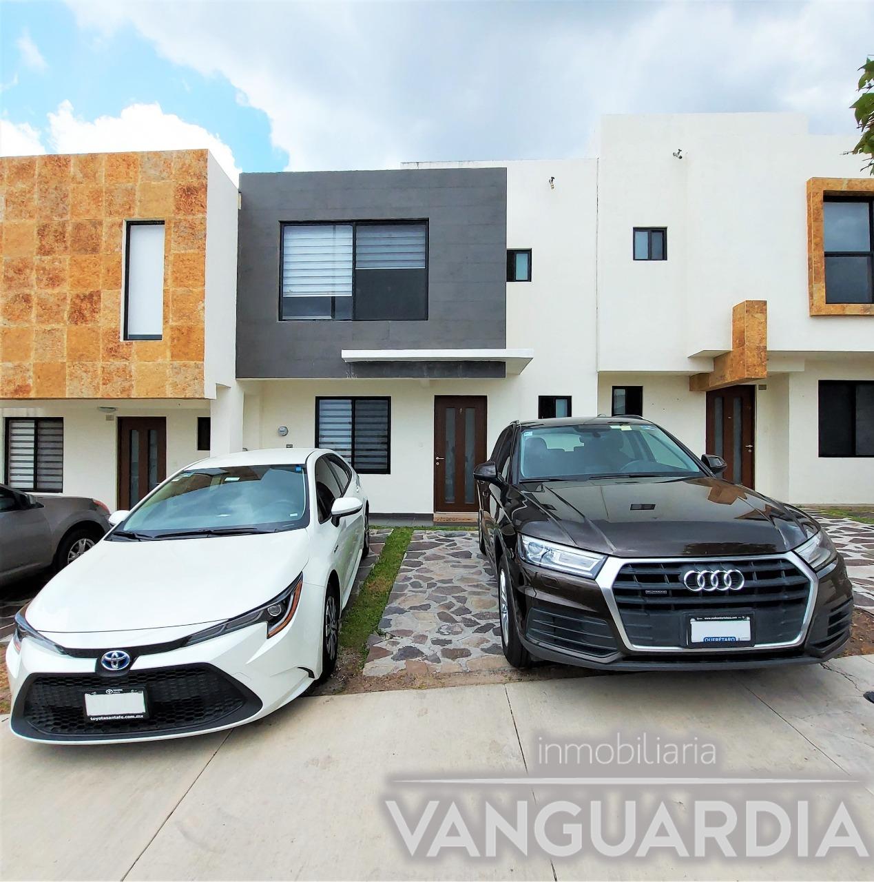Preciosa casa en venta de 3 recamaras y estudio   Zibatá – Querétaro.