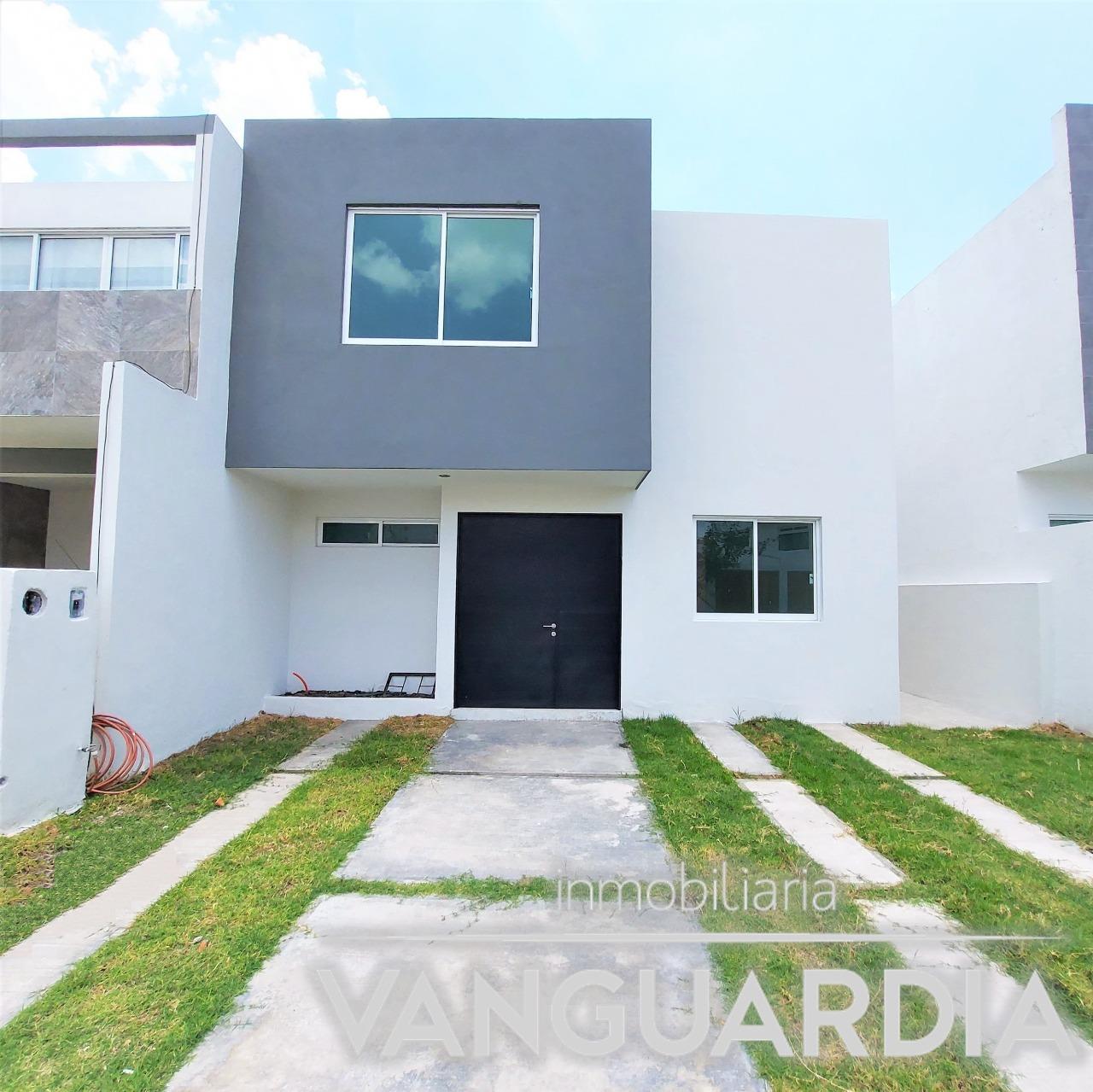 Preciosa Casa Nueva en Venta, en fraccionamiento con vigilancia las 24 hrs .- Querétaro   Real del Bosque