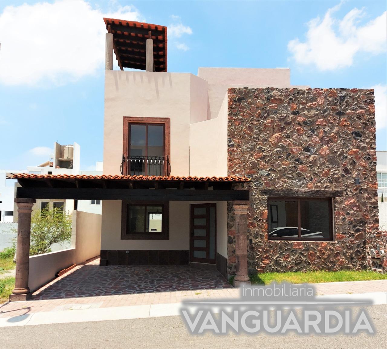Preciosa casa Nueva con Recamara en PB y Roof Garden con vista.- Colinas de Juriquilla   Querétaro.